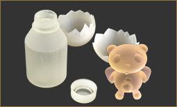 3Dのプリントのパンダ、ボトル、卵の殻